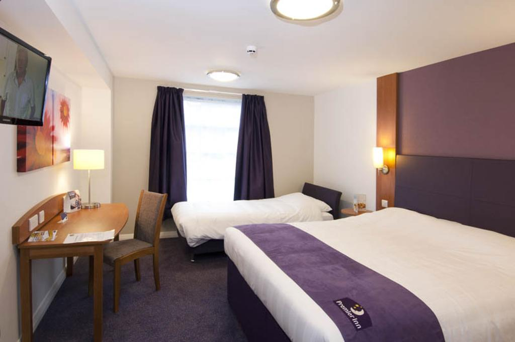 Premier Inn Glasgow Family Room